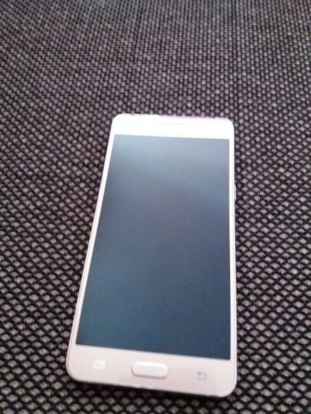 Samsung Samsung Galaxy J5 втора употреба. Цена 250 лв. София